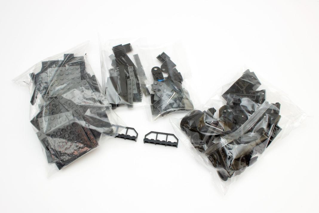 Vier Plastiktüten beherbergen die 144 Teile.