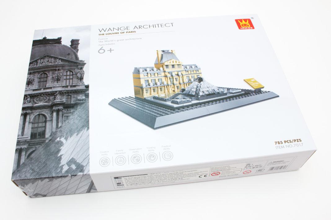 Das Modell des Louvre erreicht den Bauherrn in einer sehr elegant wirkenden Verpackung.