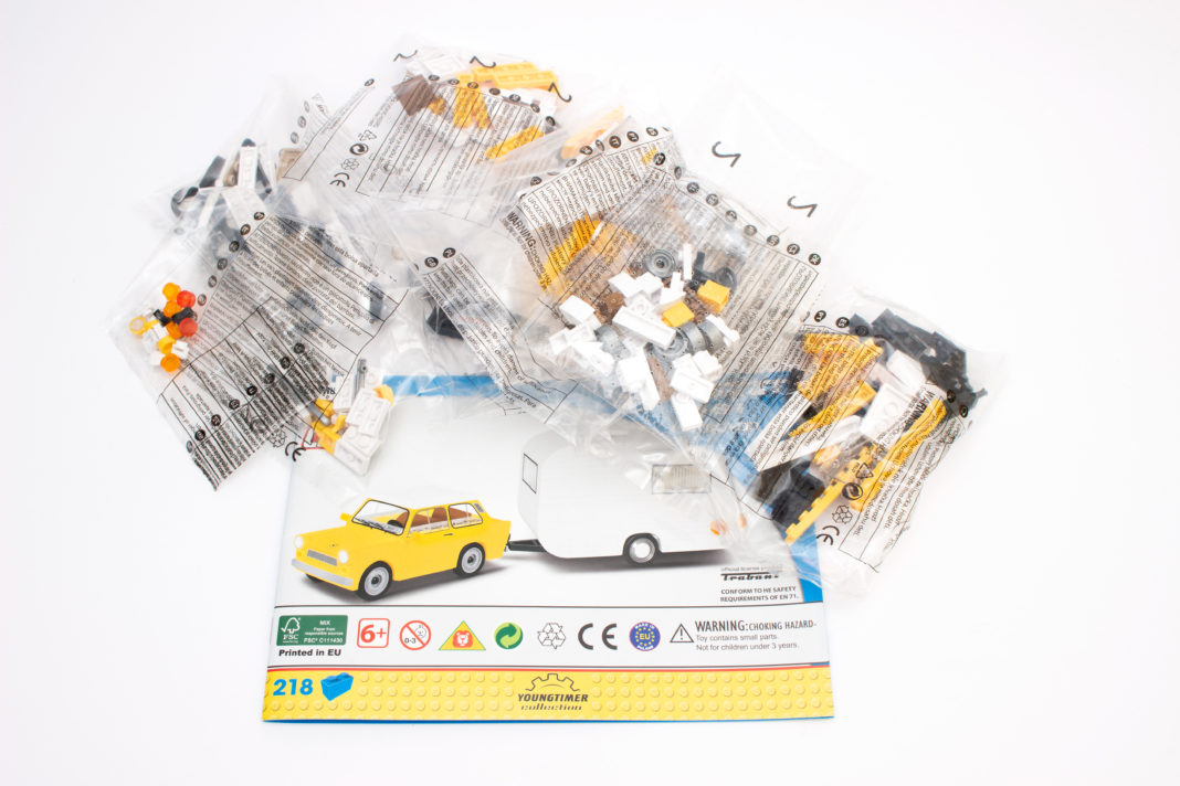 Das Set des Modells umfasst sieben Tüten