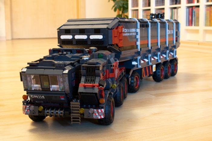 Der Cargo Transporttruck besticht durch den Detailreichtum