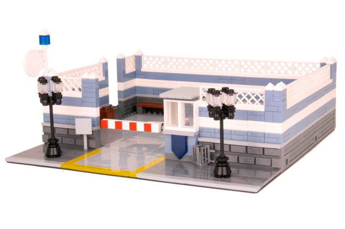 Für die klassische Polizeistation ist ebenso ein Parkplatz erhältlich. Quelle: Bluebrixx