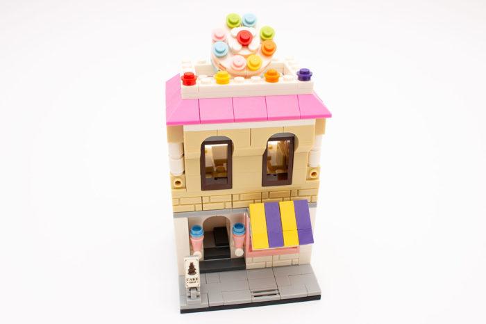 Der fertige und bunte Cake Shop