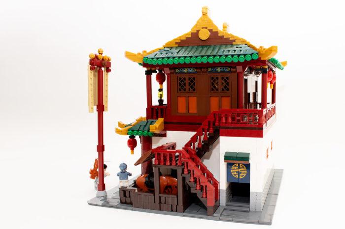 Das fertige chinesische Rasthaus ist seiner vollen Pracht