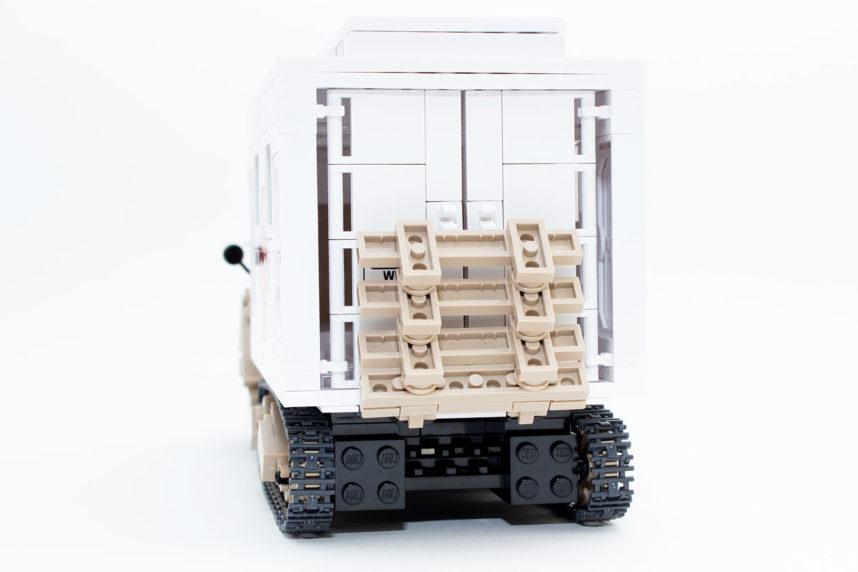 Der Ford V3000S Maultier-Ambulance von hinten