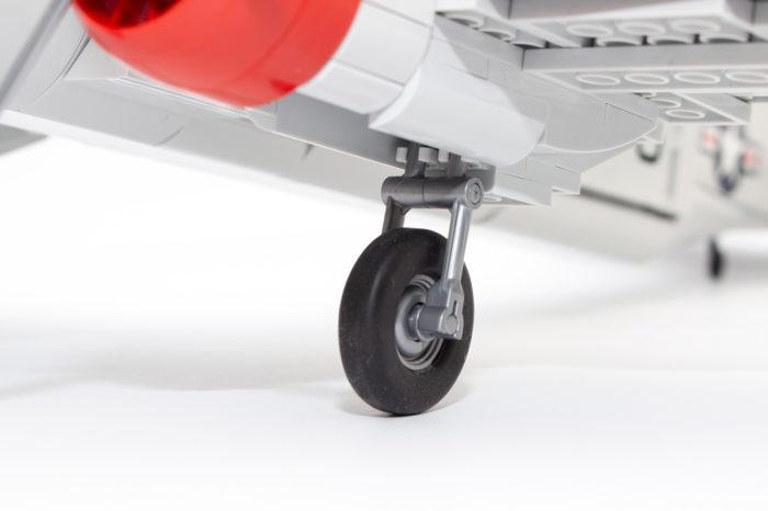 Das Fahrwerk des C-47-Modells lässt sich wie beim Original einfahren