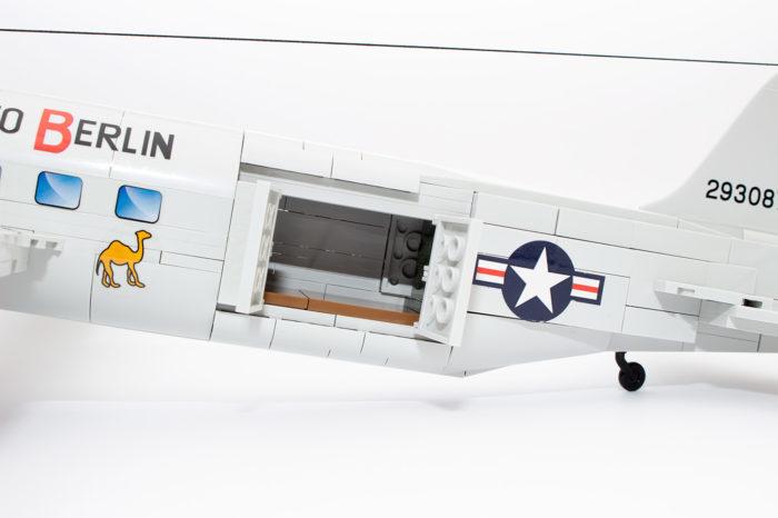 Die Frachtluke der C-47