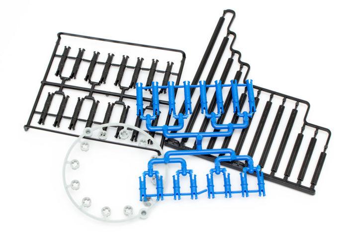 Ein Großteil der Teile muss erst wie beim herkömmlichen Modellbau gelöst werden