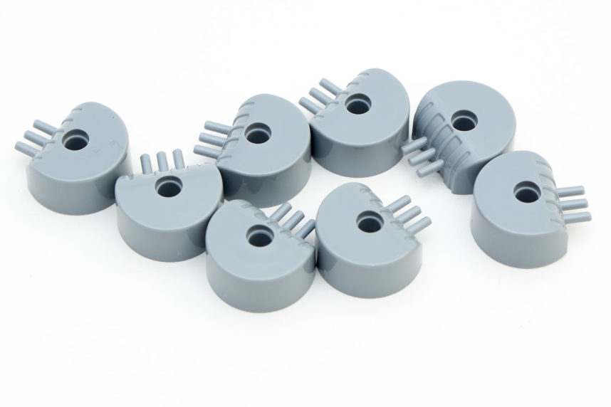 Die kleinen Geschütze sind aus Formteilen gefertigt