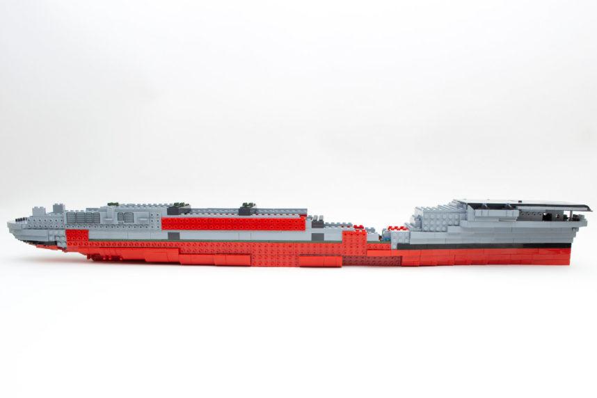Das Modell der Enterprise (CV-6) zum ersten Mal in seiner gesamten Größe