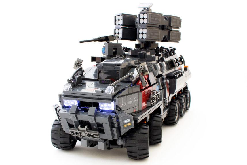 Der fertige Militär-Truck wirkt trotz aller Mängel imposant