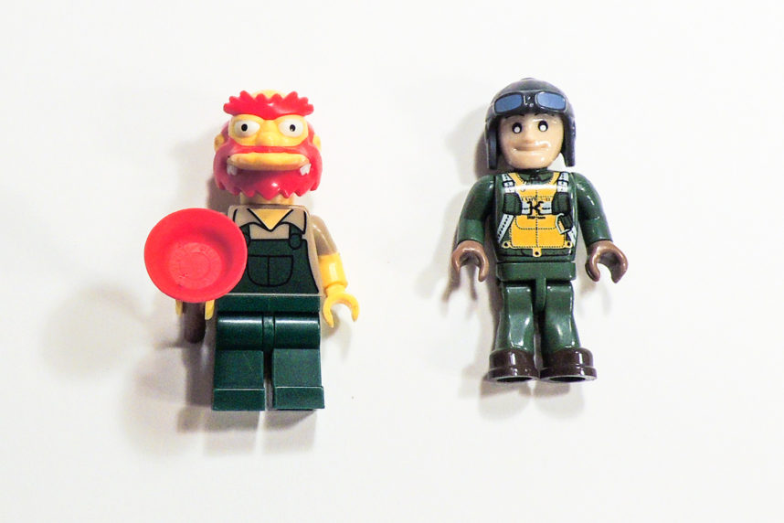 Größenvergleich mit dem Pömpelmeister, die Größe entspricht einer Minifigur von Lego.