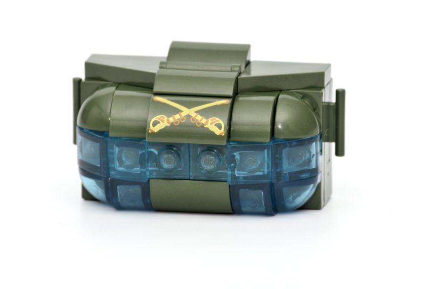 Die transparenten Teile an der Hubschraubernase lassen keinen Blick in den Innenraum zu