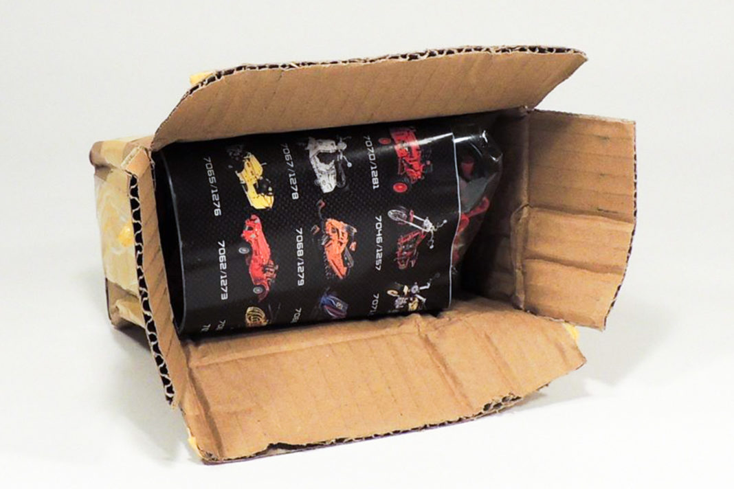 """Annähernd knalleng befüllt, eine """"traditionelle"""" Art der Verpackung bei Chinabestellungen."""
