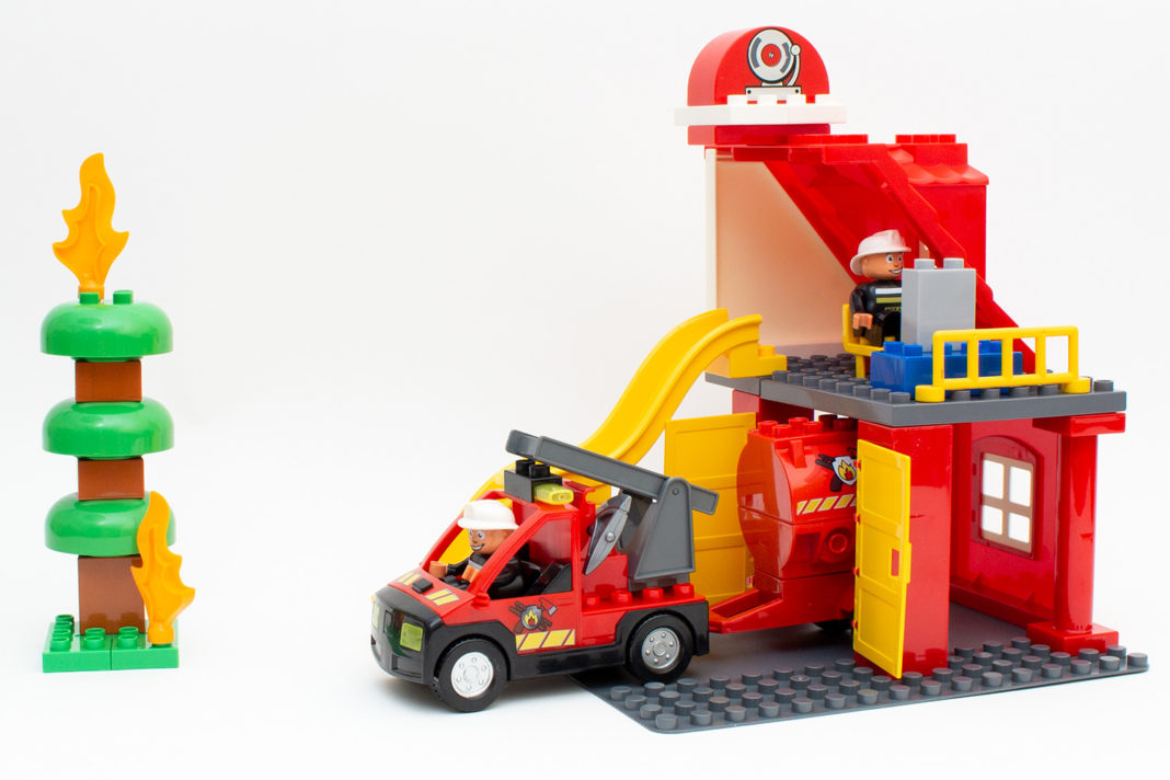 Die fertige Feuerwehrstation von Mubi