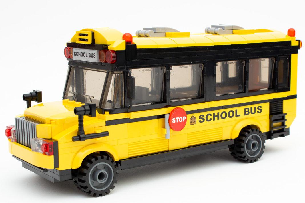 Der fertige Schulbus wird in Kinderzimmern einiges überstehen