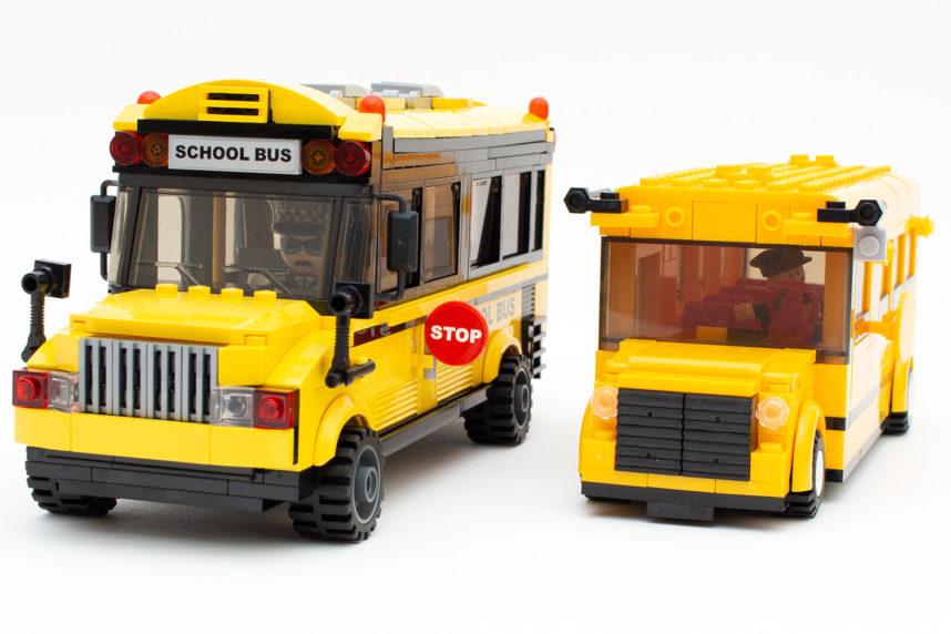 Der Schulbus von Qman (links) und das, was vom Sluban-Pendant (rechts) übrig geblieben ist