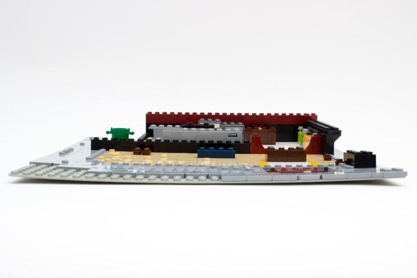 Selbst bei einer Basic-Plate von Lego heben sich die Ecken