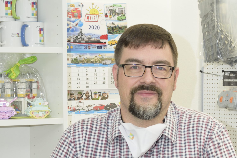 Seit 2019 begrüßt Tim die Kunden in seinem Laden