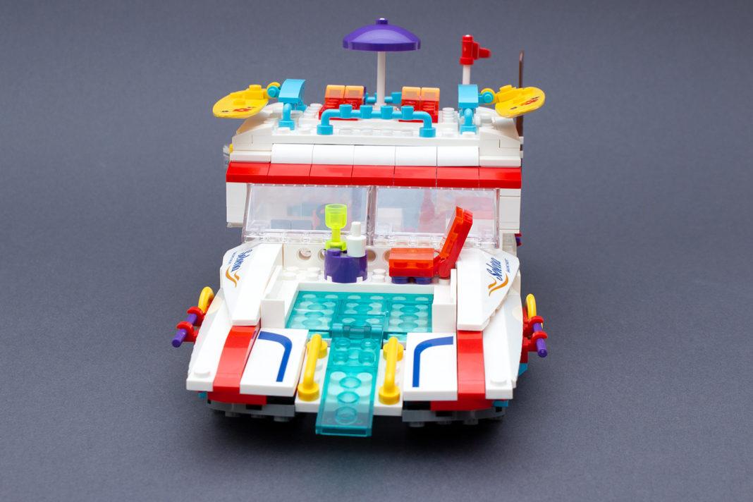 Die Party-Yacht von Blocki