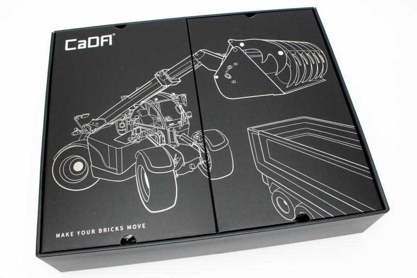 Auch der Teleskoplader von CaDA ist schön verpackt