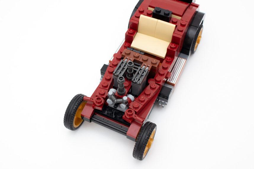 Das Modell des Oldtimers besitzt viele interessante Baulösungen